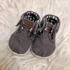 Brown tiny toms velcro shoes